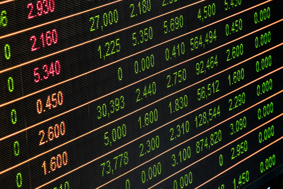 Benefits of Investing in the Stock Market in a Tough Economy – A Basic Guide
